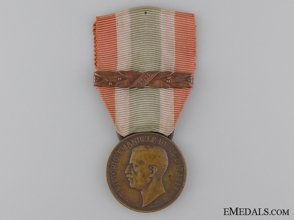 eMedals-1848-1918 United Italy Medal with 1918 Clasp