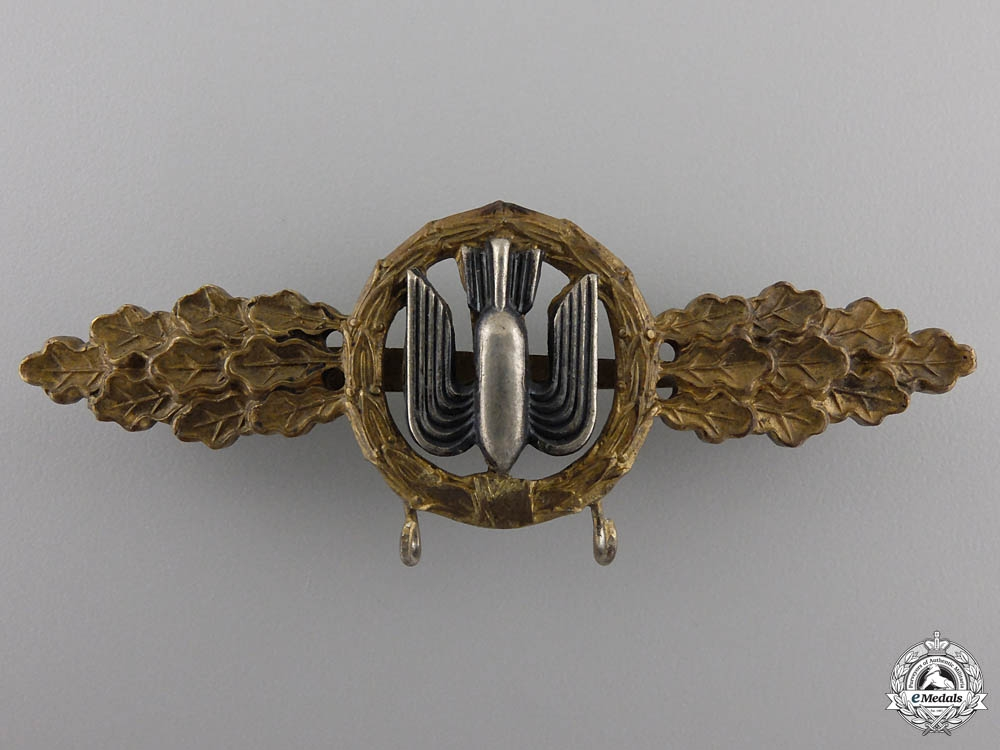 eMedals-An Early Luftwaffe Gold Grade Clasp for Bomber Pilots