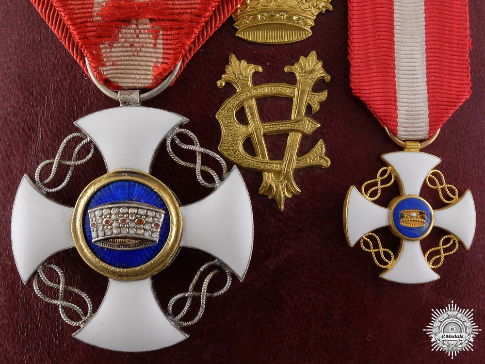 eMedals-An Italian Order of the Crown in Gold; Victor Emanuele III