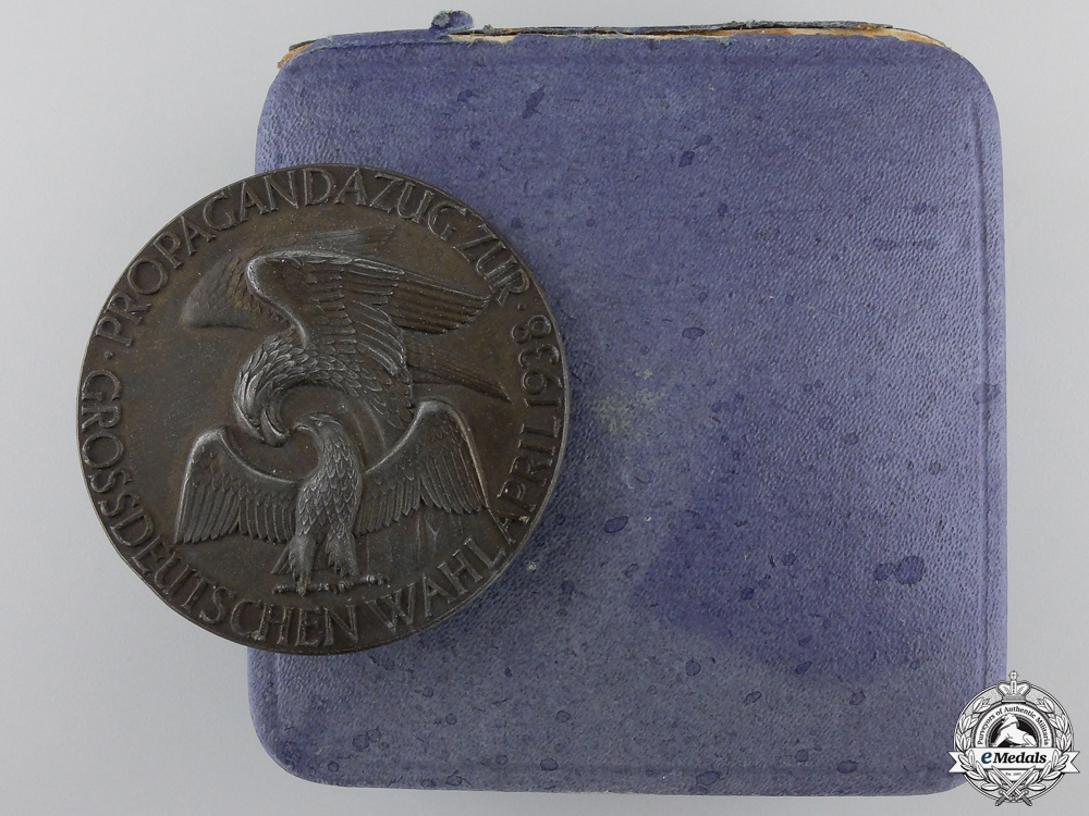 eMedals-A 1938 German Election Propagation Medal with Case