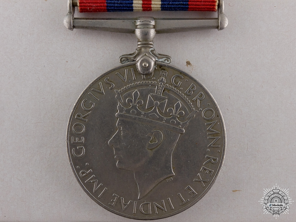 eMedals-A British Issued 1939-45 War Medal with Box