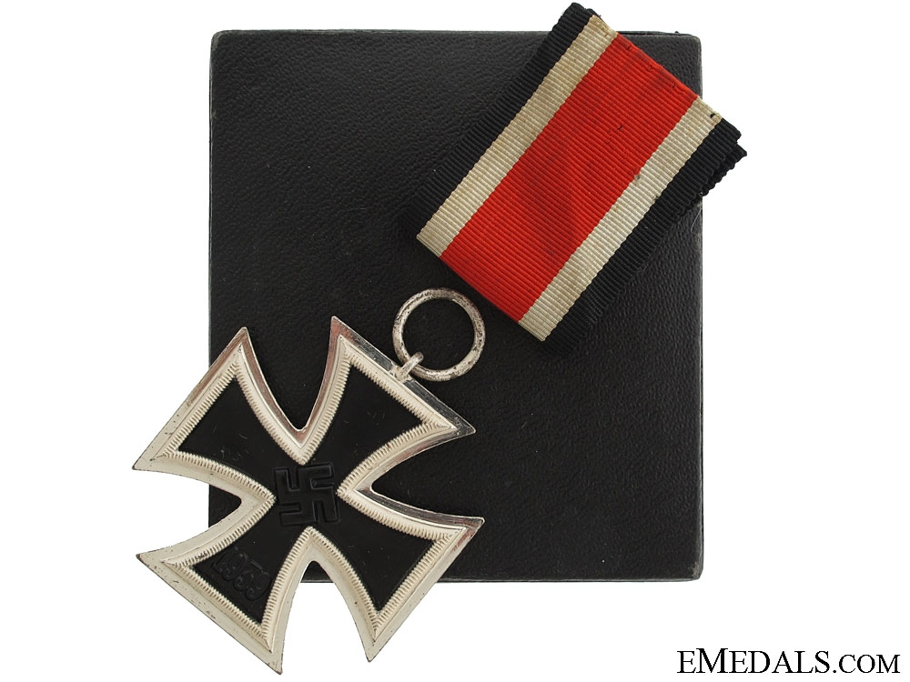 eMedals-A Cased Iron Cross Second Class 1939