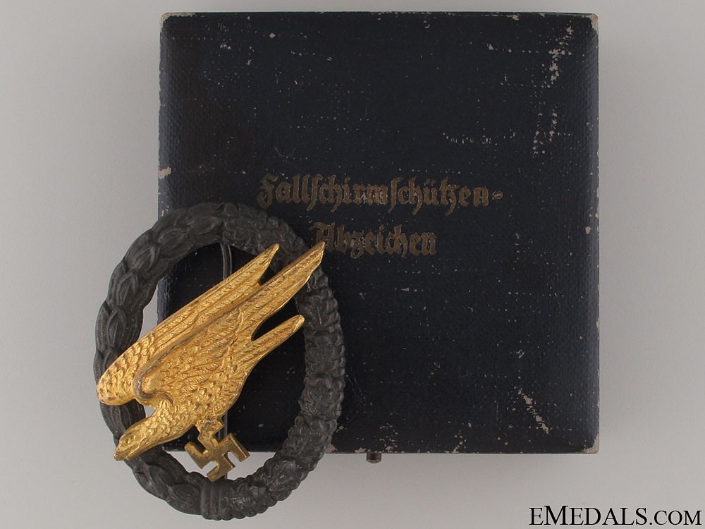 eMedals-An Early Cased Paratroopers Badge   CONSIGNMENT (Michael Whelton)