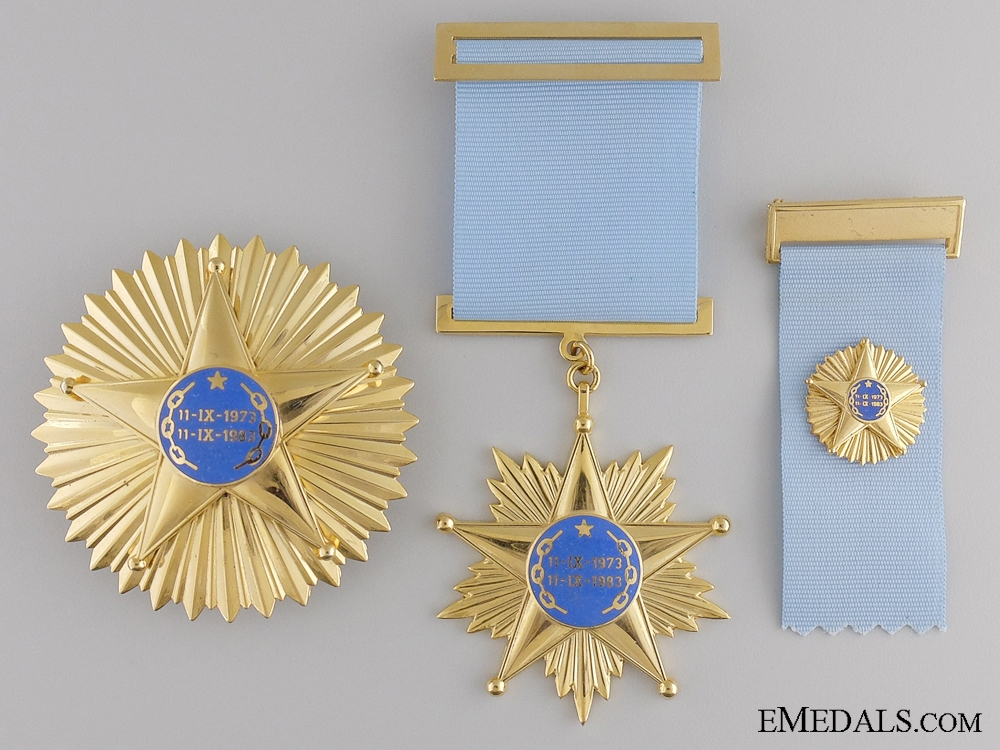 eMedals-A Chilean Air force Order of Revolution; Generals Issue
