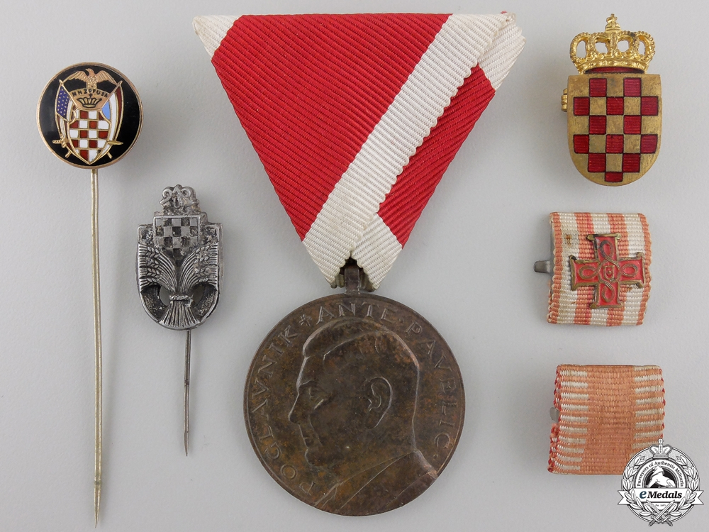 eMedals-A Croatian Ante Pavelic Bravery Medal & Insignia