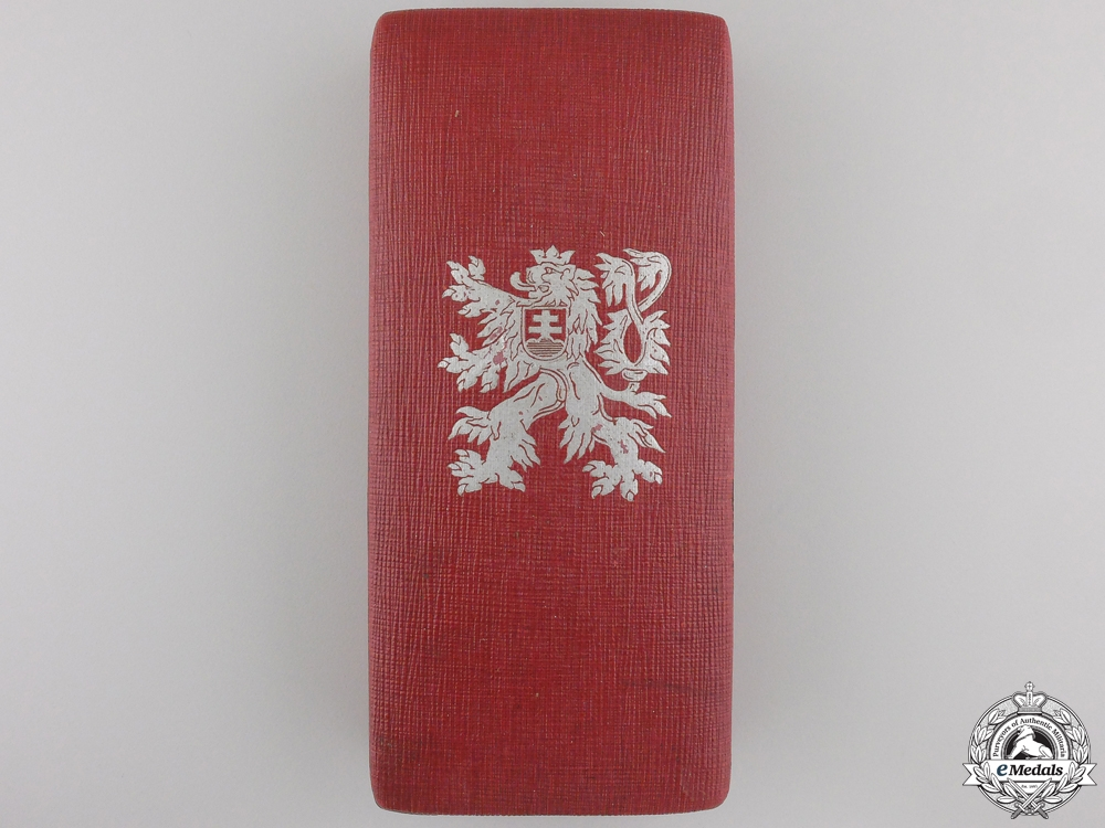 eMedals-A Czech Order of the White Lion Case for a Knight's Badge
