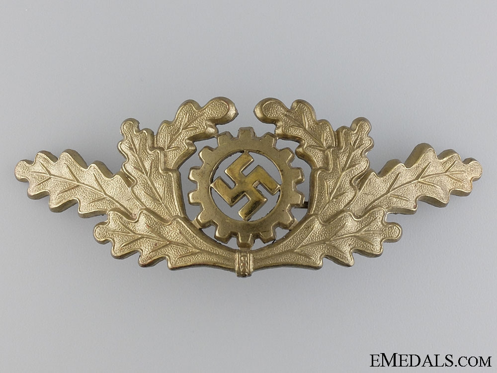 eMedals-A DAF (Deutsches Arbeits Front) Visor Insignia