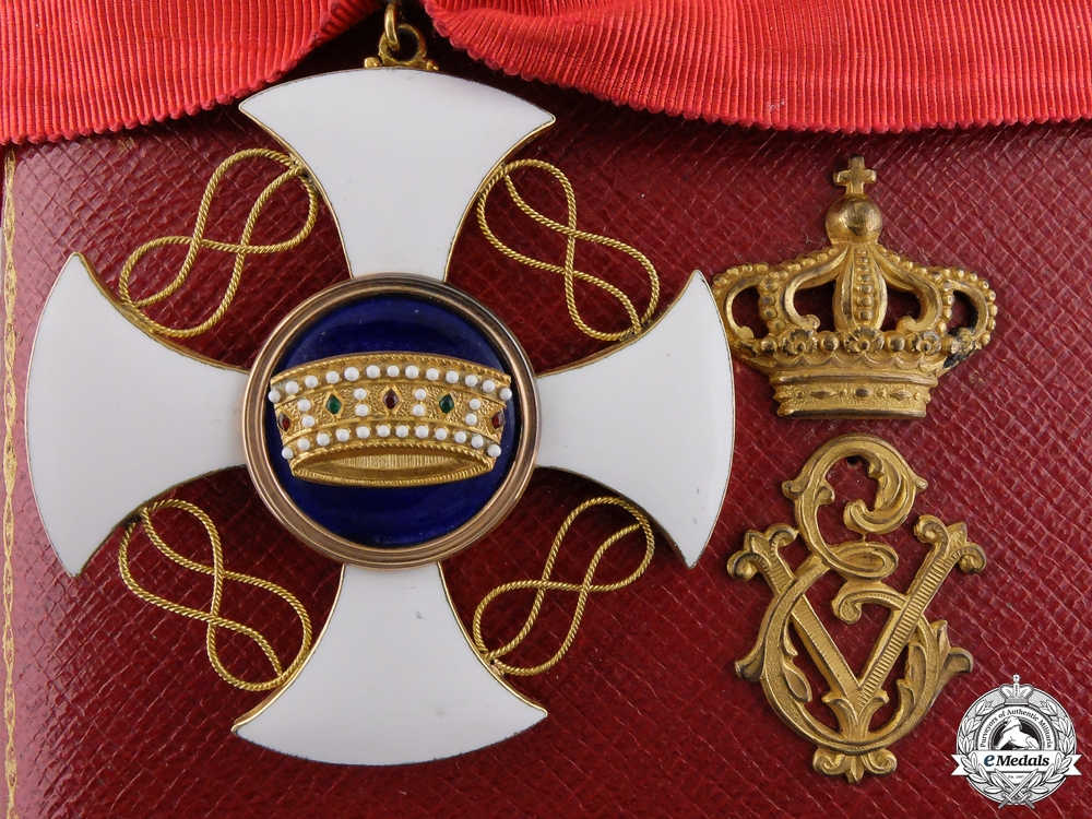 eMedals-A Fine Italian Order of the Crown in Gold