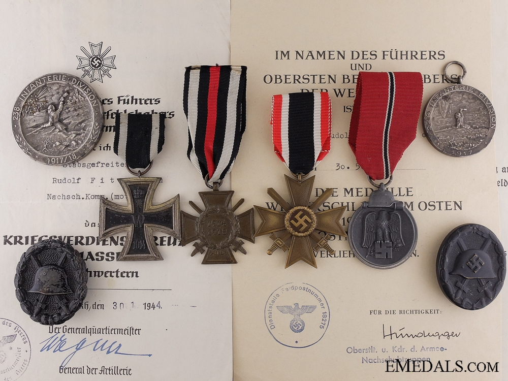 eMedals-A First War German Bravery Group for a 1917 Trench Attack