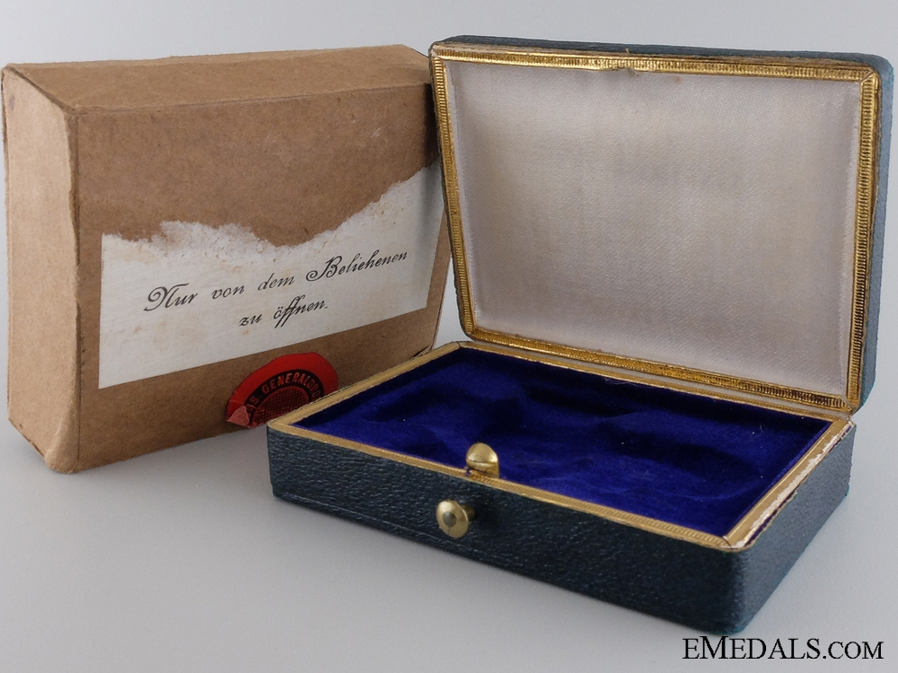 eMedals-A First War Golden Military Merit Cross Case and Outer Cartonage