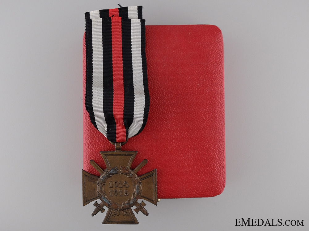 eMedals-A First War Hindenburg Cross for Combatants; Cased