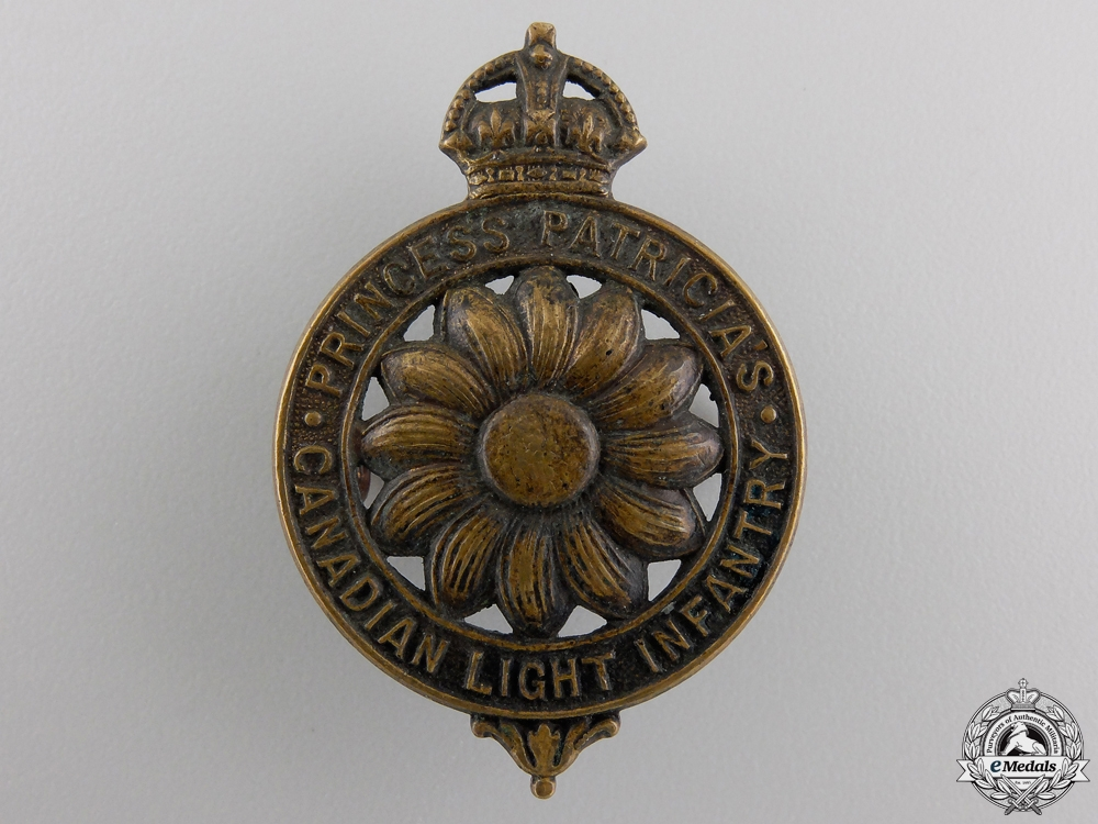 eMedals-A First War Princess Patricia's Canadian Light Infantry Cap Badge