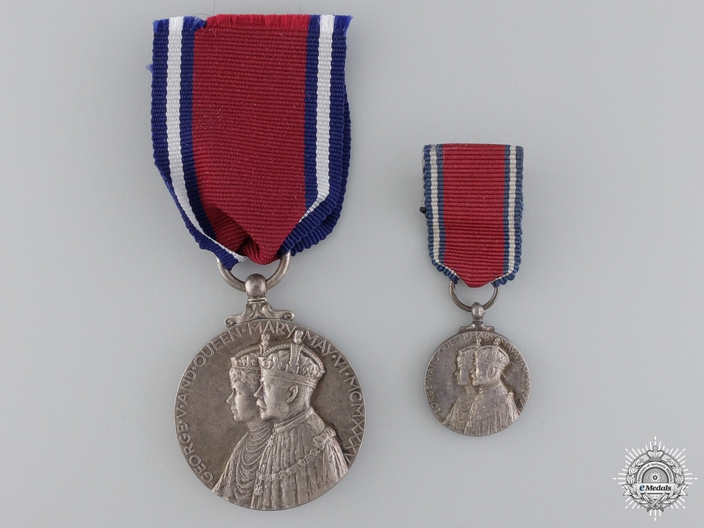 eMedals-A George V 25 Year Jubilee Medal with Miniature