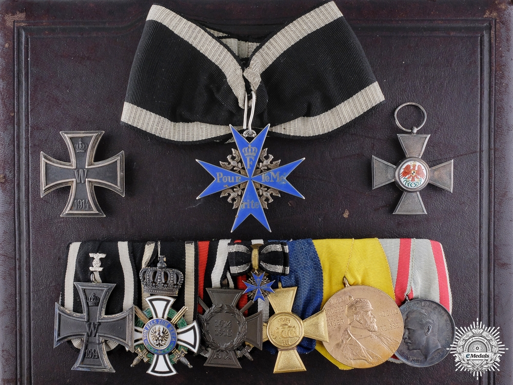 eMedals-A German Imperial Friedländer Pour le Merite with Cased Awards