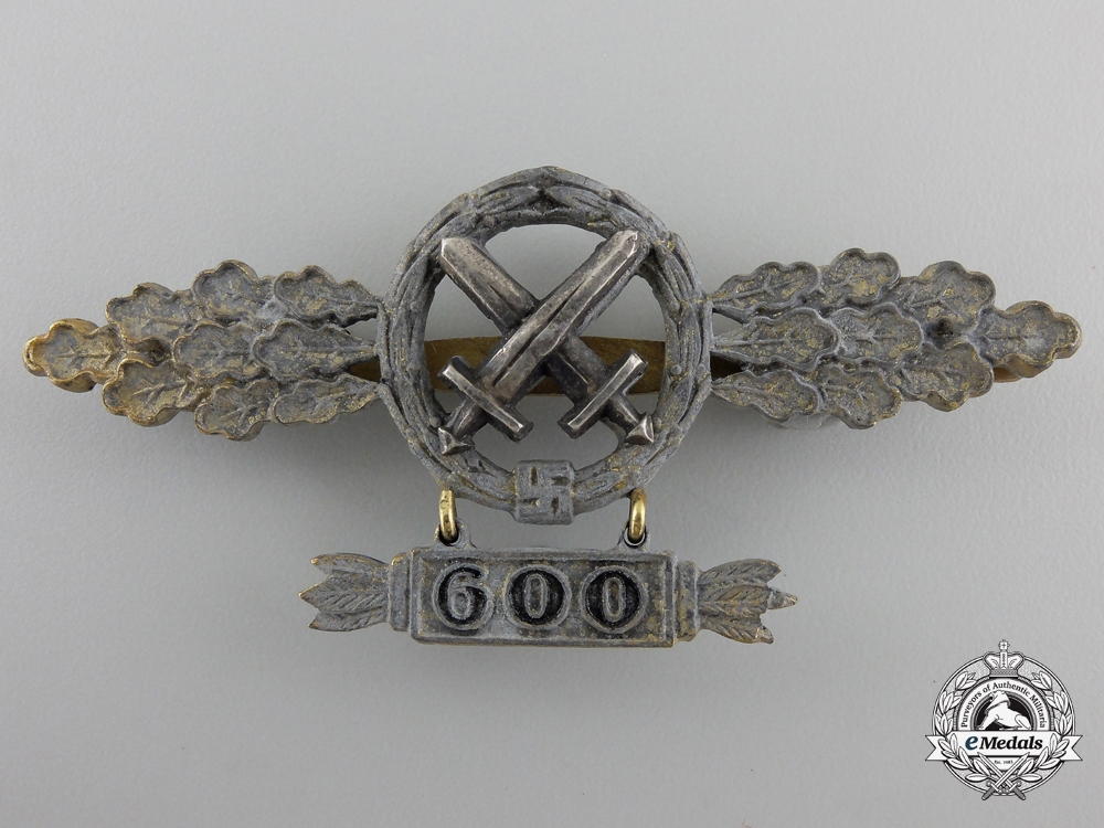 eMedals-A Gold Grade Air-to-Ground Support Squadron Clasp with 600 Hanger