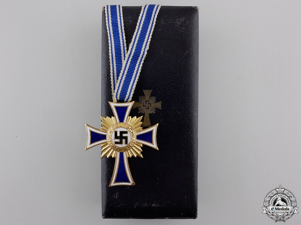 eMedals-A Gold Grade German Mother's Cross with Case by Werner Redo