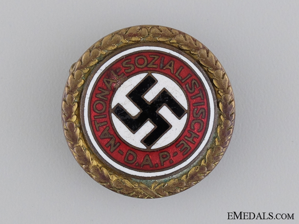 eMedals-A Large Golden Party Badge