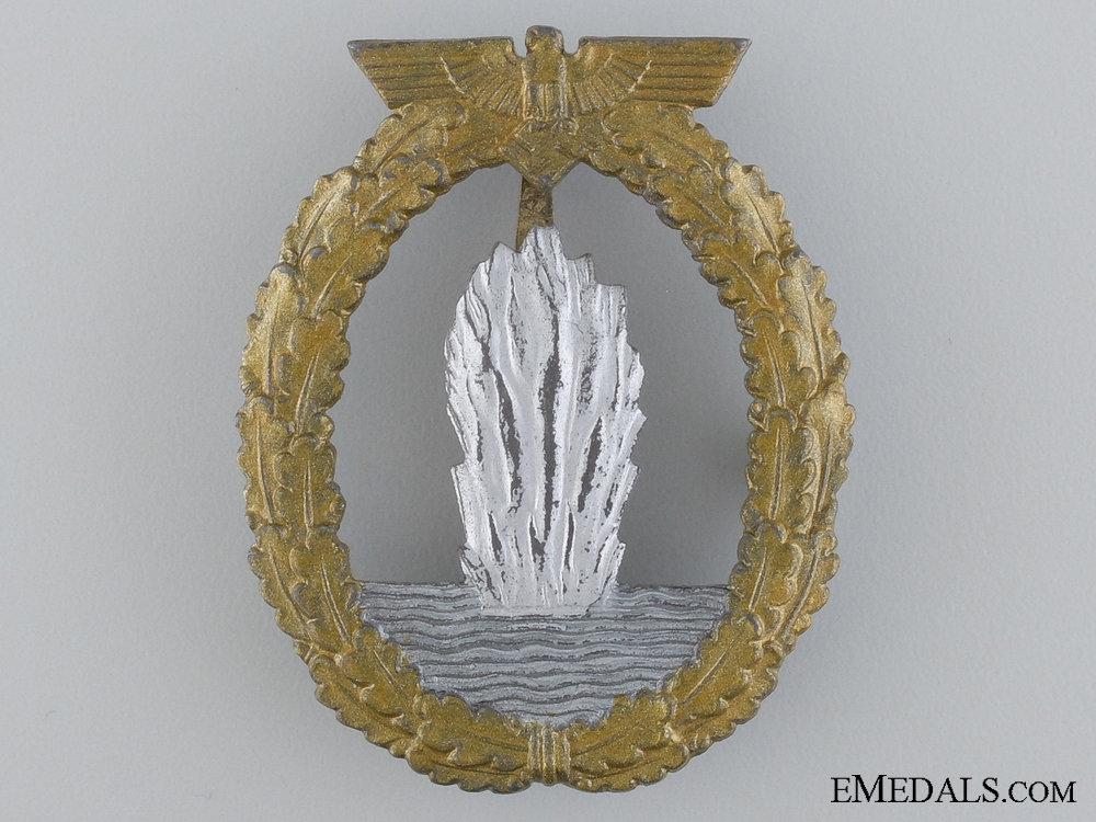 eMedals-A Late War Minesweeper Badge
