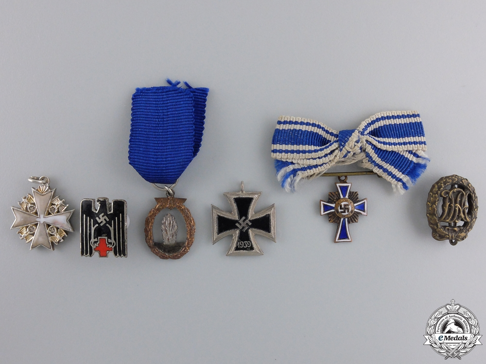 eMedals-A Lot of 6 Third Reich Miniatures