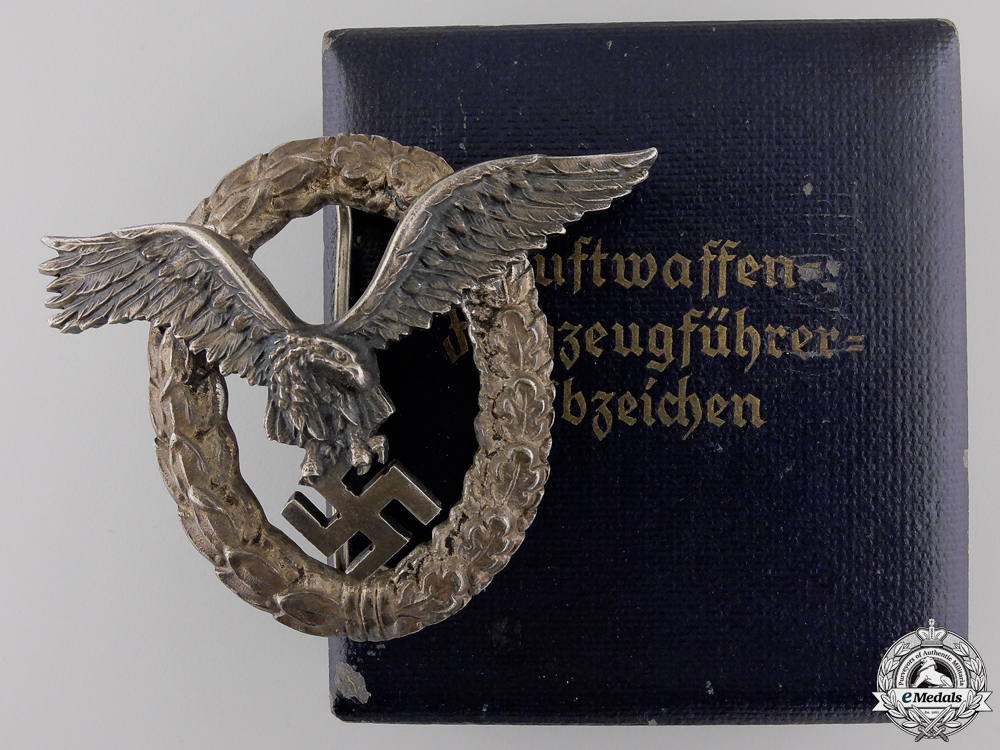 eMedals-A Luftwaffe Pilot's Badge by Juncker with Case