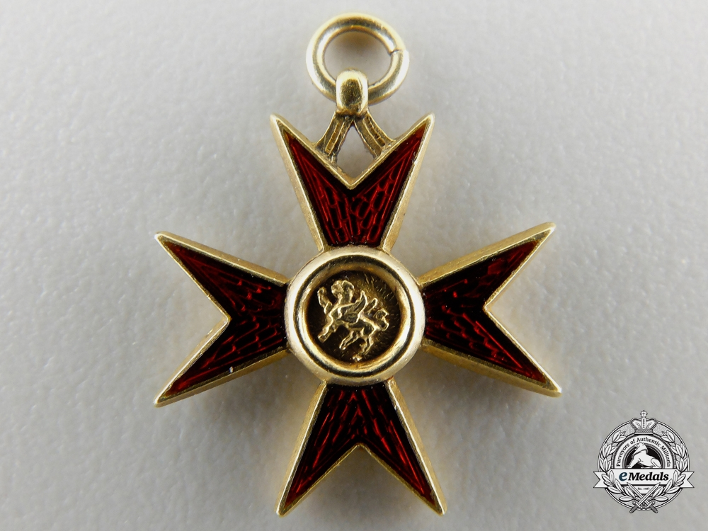 eMedals-A Miniature Mecklenburg Schwerin Order of the Griffin in Gold