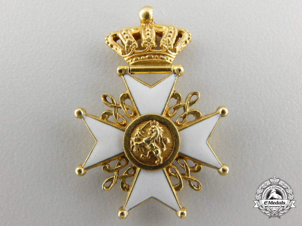 eMedals-A Miniature Order of the Dutch Lion in Gold