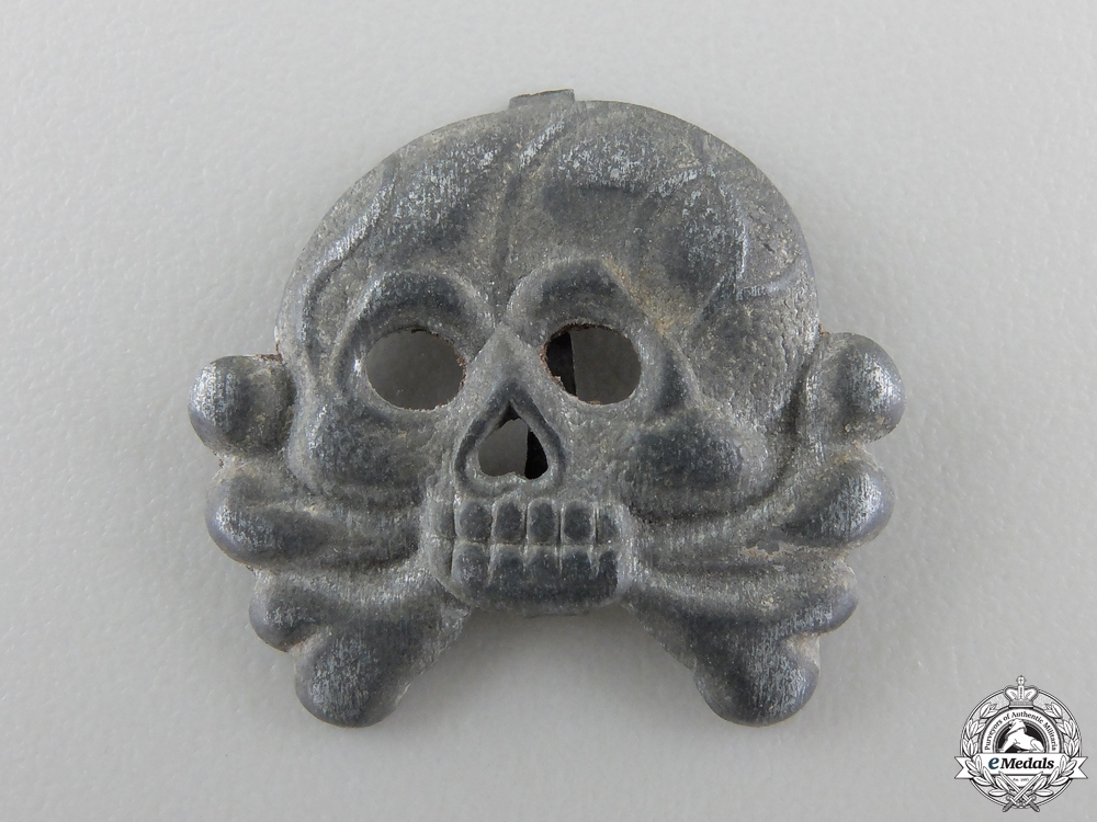 eMedals-A Panzer Collar Tab Skull