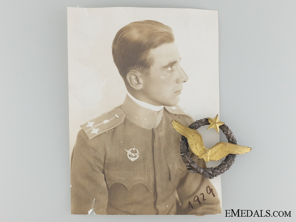 eMedals-A Photograph of Artur Kirasic and his French Pilot's Badge