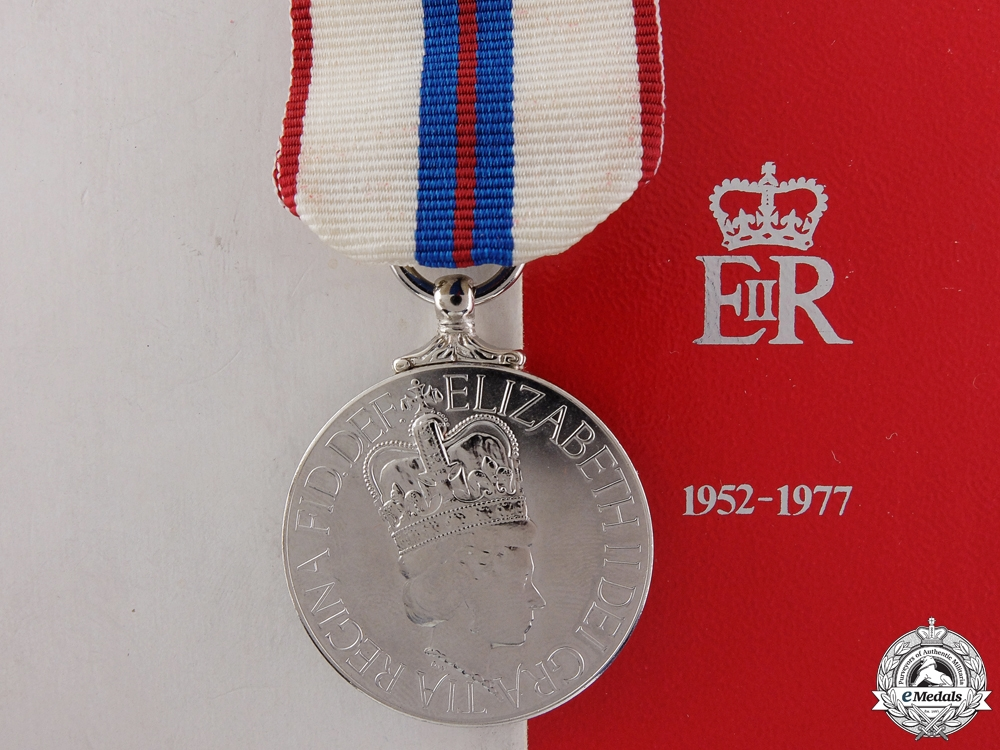 eMedals-A Queen Elizabeth II Silver Jubilee Medal 1952-1977 with Box