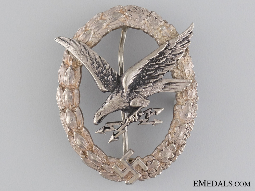 eMedals-A Radio Operator & Air Gunner Badge to Uffz. Deiss. 4. St Erfurt KIA