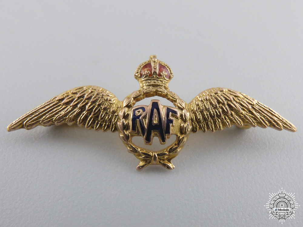 eMedals-A Royal Air Force Sweetheart Badge in Gold by Deakin & Francis