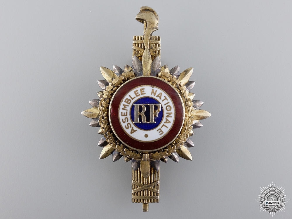 eMedals-A Second War French National Assembly Badge
