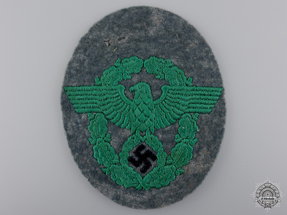 eMedals-A Second War German Police Sleeve Eagle