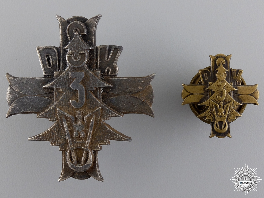 eMedals-A Second War Polish 3rd Carpathian Rifle Division Badge by Lorioli