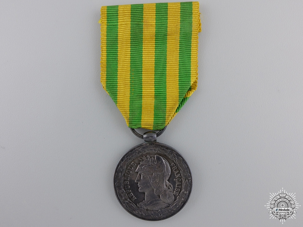 eMedals-An 1883-1885  French Tonkin Medal; Army Units Version