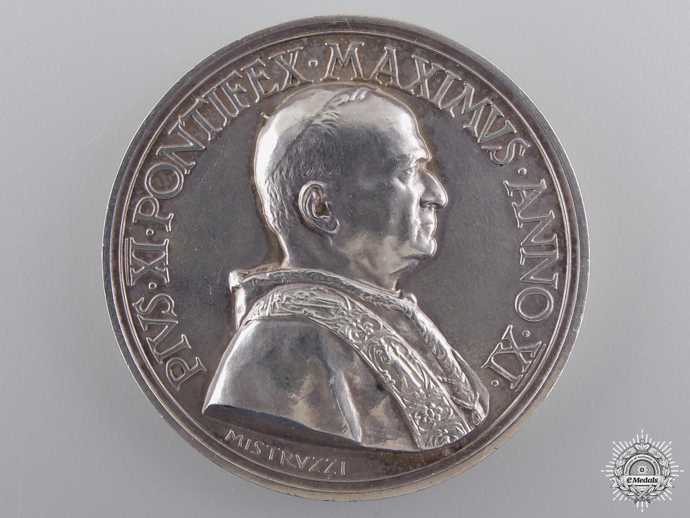 eMedals-An 1932 Silver Pope Pius XI Medal by Mistrvzzi