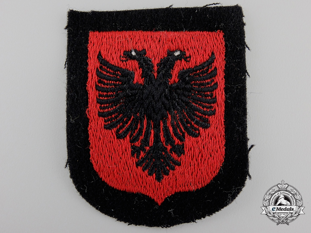 eMedals-An Albanian SS Volunteer Sleeve Shield