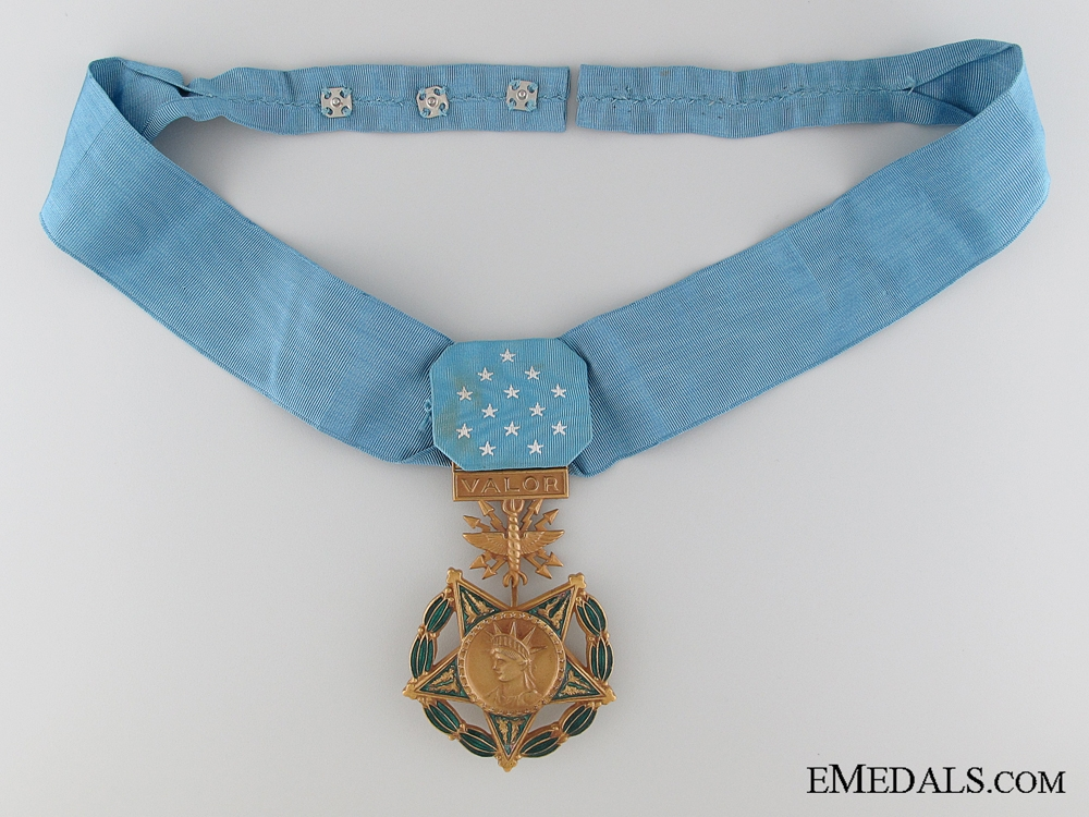 eMedals-An American Air Force Medal of Honor c.1965