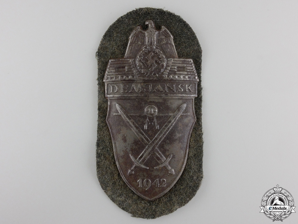 eMedals-An Army Issued Demjansk Shield