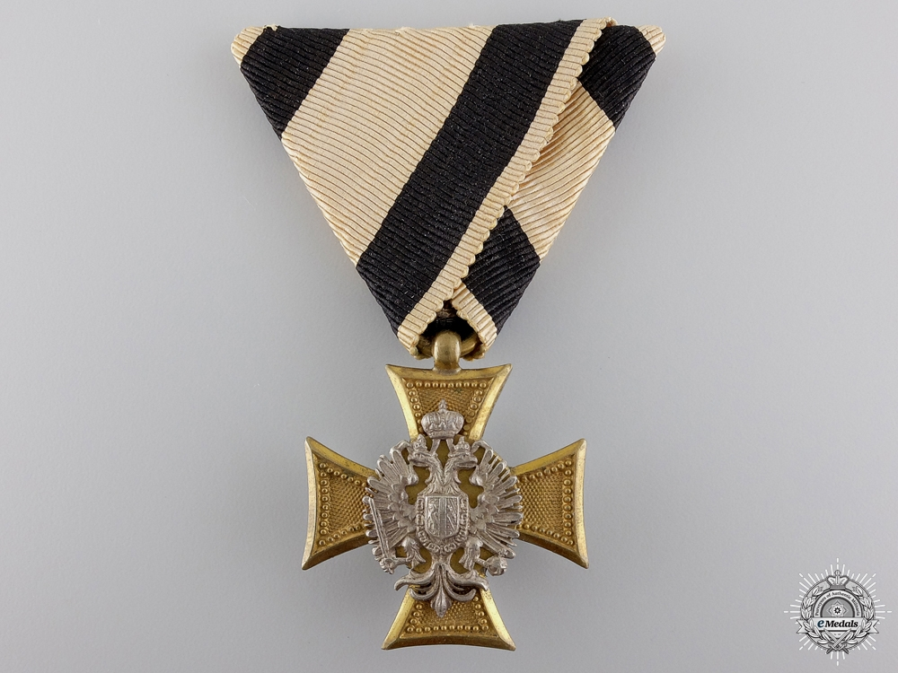 eMedals-An Austrian Military Long Service Cross with Pearl Backing