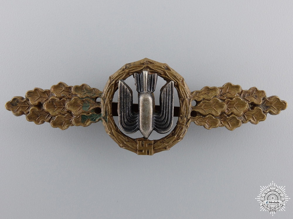 eMedals-An Early Luftwaffe Squadron Clasp for Bomber Pilots