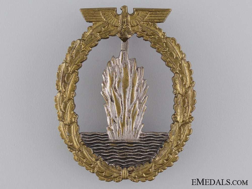 eMedals-An Early Minesweeper War Badge; Unmarked