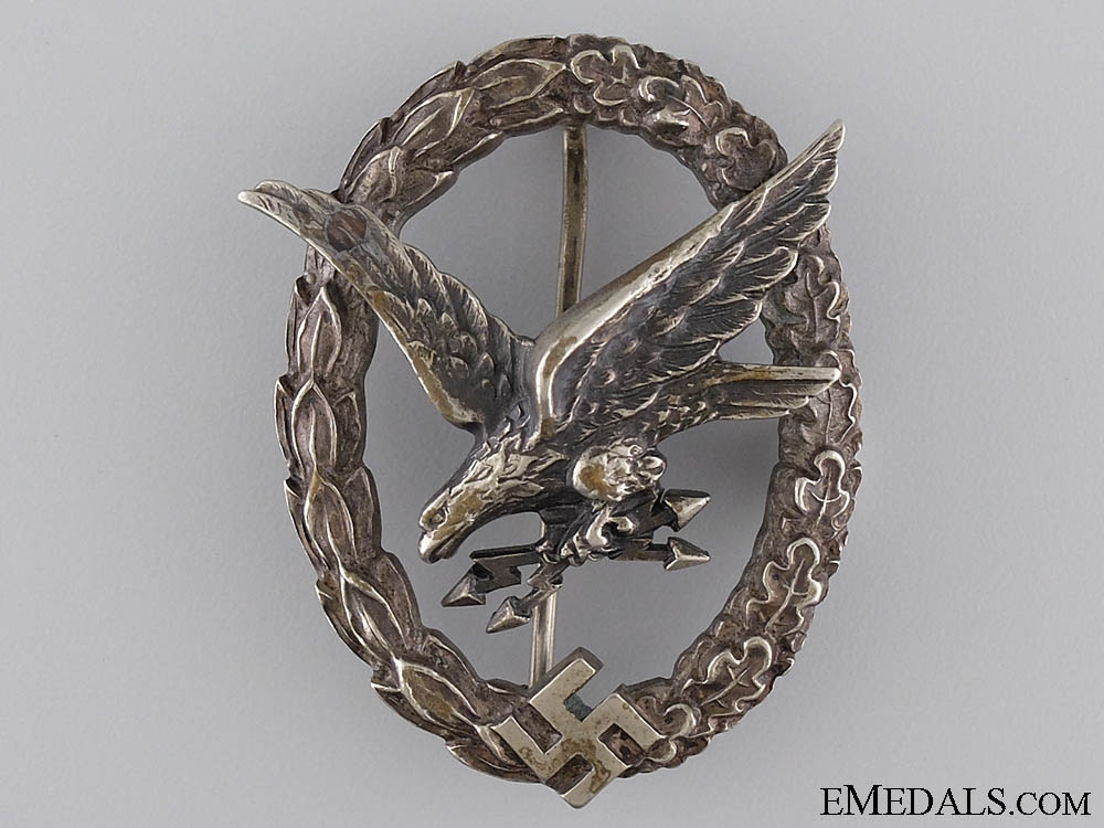 eMedals-An Early Radio Operator & Air Gunner Badge by W. Deumer
