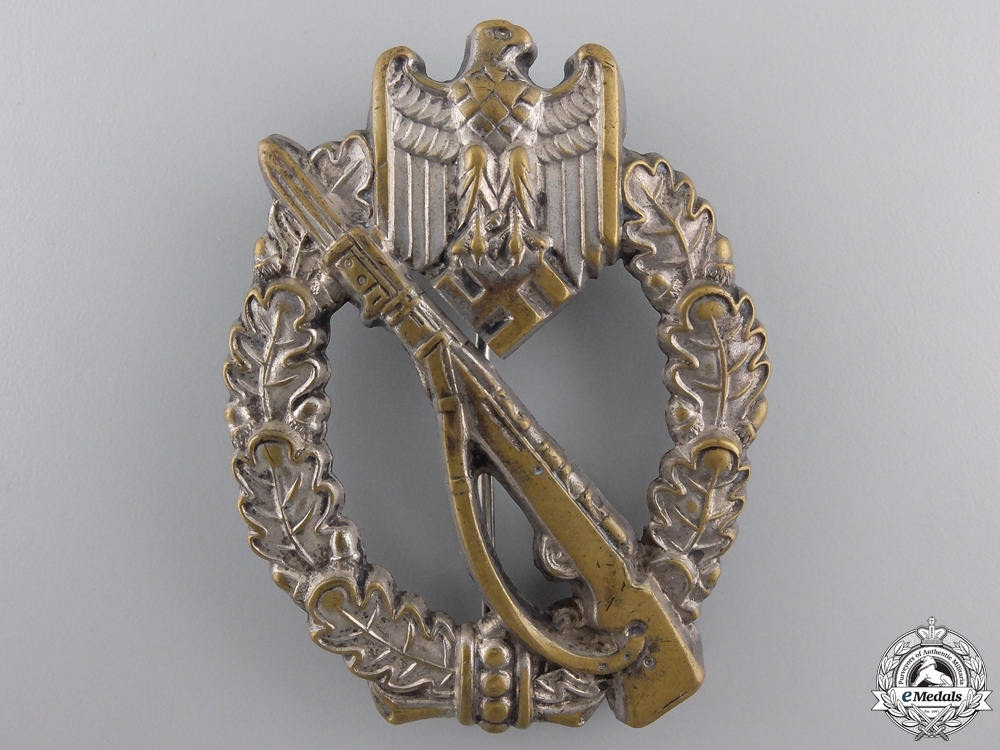 eMedals-An Early Silver Grade Infantry Badge