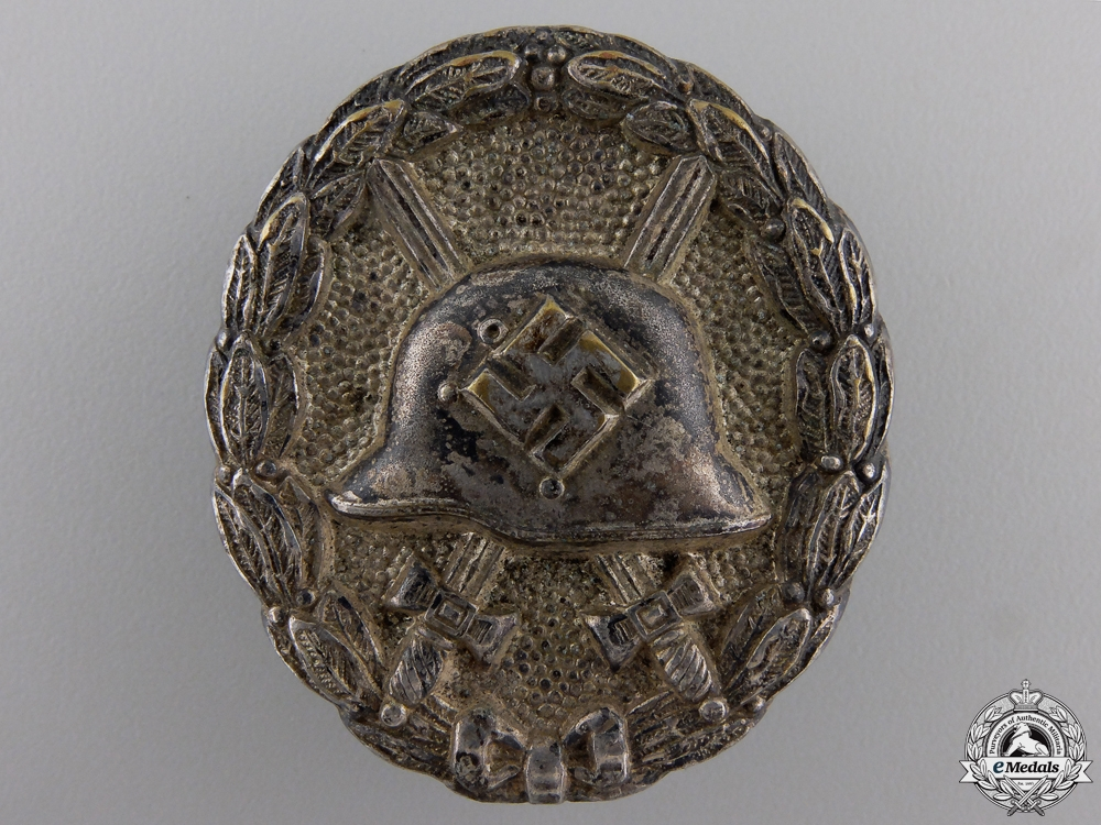 eMedals-An Early Silver Grade Wound Badge 1939