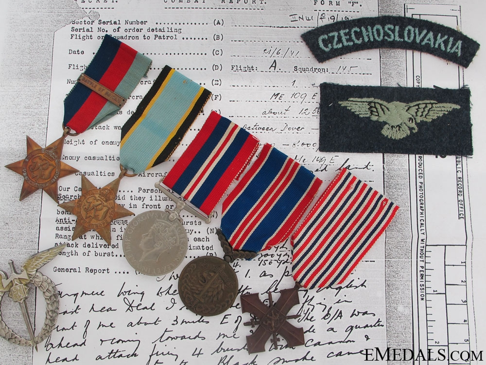 eMedals-An Emotive Battle of Britain Group to F/O Machacek CAF