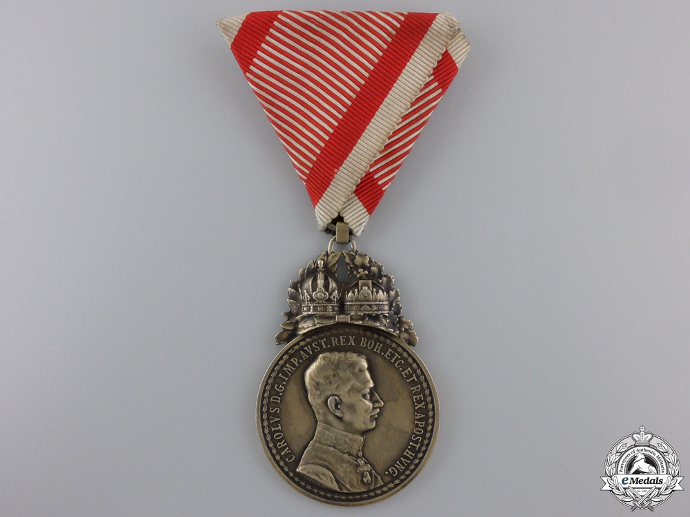 eMedals-An Emperor Karl Golden Military Medal for Most Conspicuous Bravery.