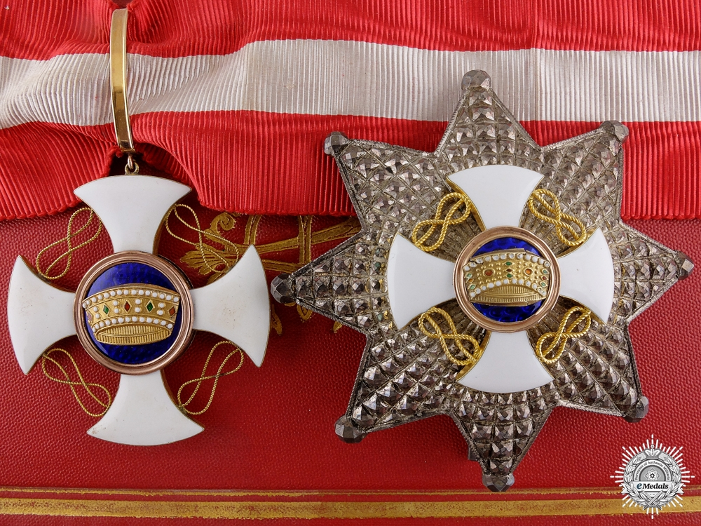 eMedals-An Italian Order of the Crown; Grand Officer Set in Gold