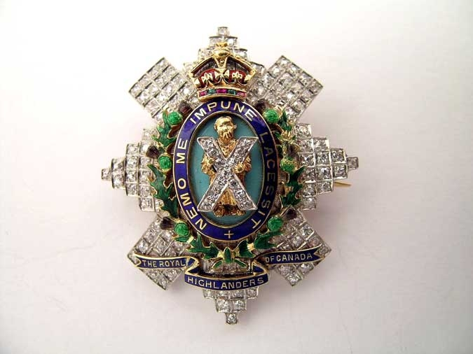 eMedals-ROYAL HIGHLANDERS OF CANADA BADGE – IN DIAMONDS!