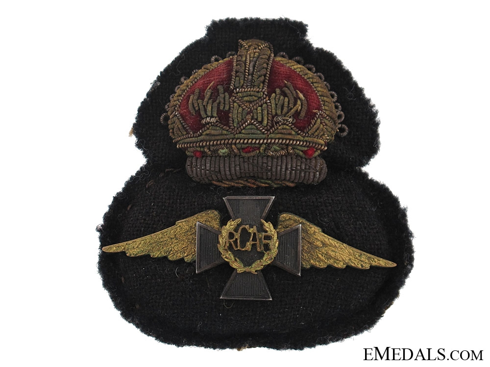 eMedals-A Rare WWII Royal Canadian Air Force Chaplain's Cap Badge